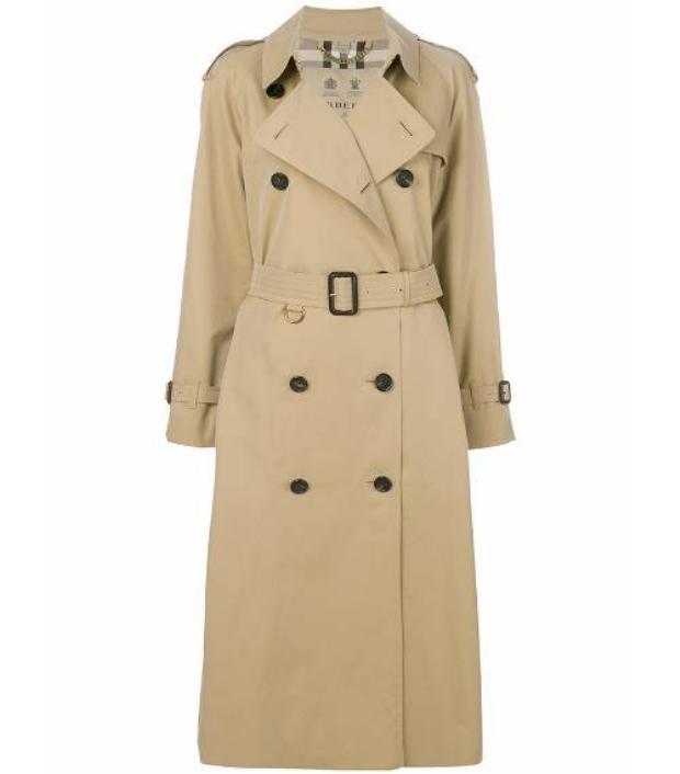 Áo trench coat màu beige là một lựa chọn phù hợp cho cô nàng Ma Kết. Đây cũng là item được các công nương nước Anh ưa thích vì vẻ tinh tế của nó.