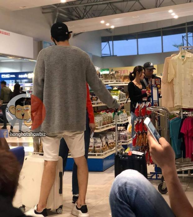 Chi Pu và Jin Ju Hyung bị bắt gặp tại sân bay Đà Lạt. (Ảnh: Hóng hớt showbiz).