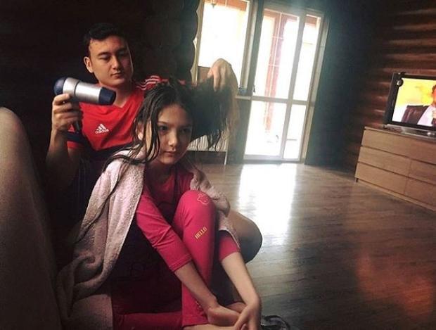 Văn Lâm cưng em gái nhất nhà.
