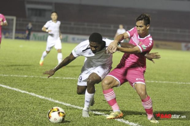 CLB Sài Gòn (áo hồng) là tiền thân của CLB Hà Nội.