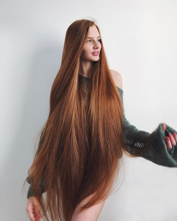 Không có điều gì là dễ dàng, cô nàng chia sẻ ngoài tiền bạc phải tiêu tốn vào thuốc, dầu dưỡng… mỗi ngày phải bỏ ra ít nhất 5 giờ đồng hồ để chăm sóc tóc.