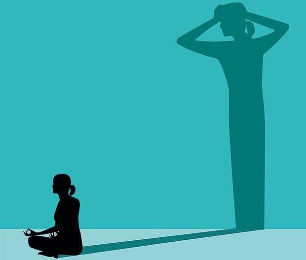 Người tập thiền có thể gặp những suy nghĩ tiêu cực. Ảnh: Getty Image