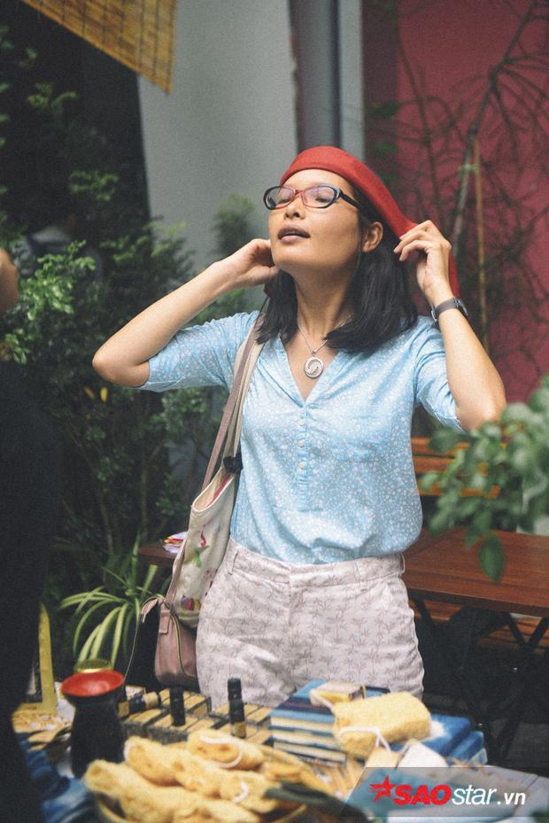 Chiếc khăn mà chị Phương nhớ mãi là kỷ vật với một chàng trai Sa Pa nào đó của ngày xưa.