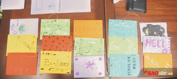 Những tấm thiệp tay chứa bao kỷ niệm tình yêu một thời giờ cũng trao cho một người mới nâng niu hơn.