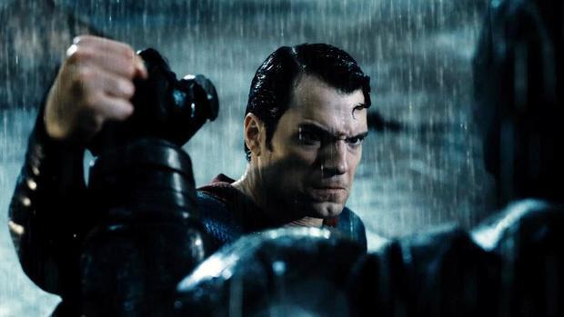 Liệu cú lừa của Batman v. Superman có giống như Infinity War?