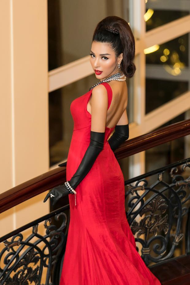 Khả Trang được biết nhiều hơn kể từ khi giành giải Vàng Siêu mẫu Việt Nam 2015, cô sinh năm 1992 và hiện đang phát triển sự nghiệp người mẫu của mình tại TP.HCM.
