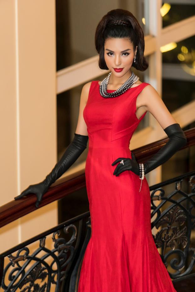 Năm 2016, Khả Trang lên đường sang Ba Lan, Slovakia tham gia cuộc thiHoa hậu Siêu quốc gia 2016và lọt Top 25. Cùng năm đó, cô cũng là đại diện Việt Nam đi thi Hoa hậu Hoàn vũ Môi trường 2016 ở Ai Cập.