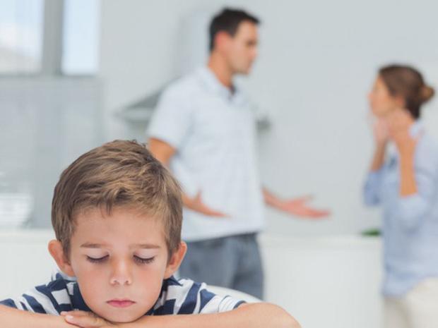 Khi bố mẹ xảy ra mâu thuẫn, đổ vỡ, con cái sẽ là người chịu thiệt thòi nhiều nhất.