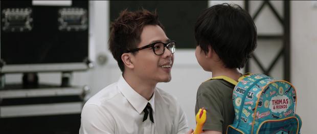 """Phim còn có sự tham gia của Trịnh Thăng Bình trong vai… """"ông ngoại""""."""