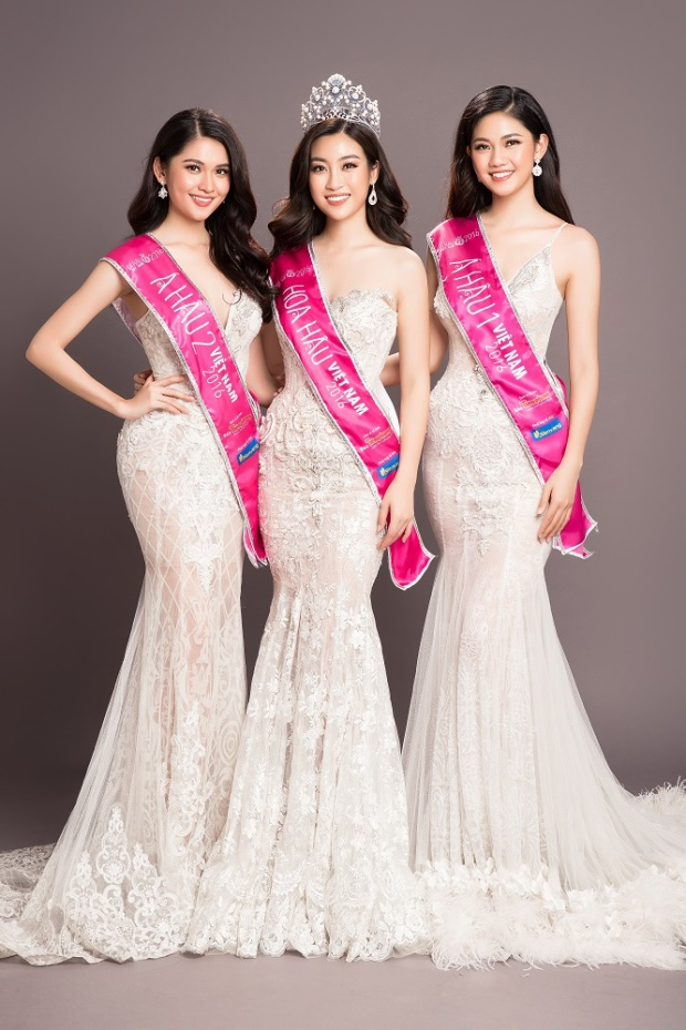 Top 3 Hoa hậu Việt Nam 2016 quyến rũ, rạng ngời thanh xuân trong những thiết kế dạ hội kiêu sa được thiết kế tinh tế, tỉ mỉ.