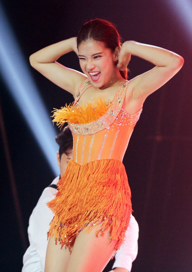 Cô cũng rất ít khi trình diễn những ca khúc có vũ đạo phô diễn cơ thể quá nhiều.