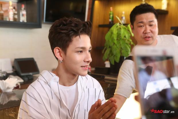 Hoàng tử lai Kim Samuel: Tôi hơi sợ nhưng xót xa khi thấy fan chen lấn, xô đẩy