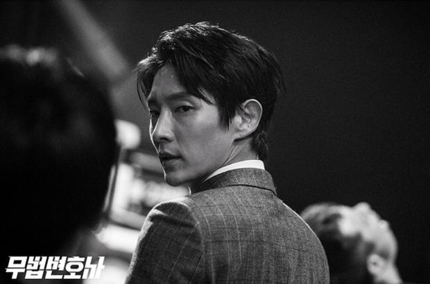 Ha Ji Won và Lee Jun Ki là hai diễn viên duy nhất của làng giải trí Hàn không cần trợ giúp của diễn viên đóng thế trong cảnh hành động.