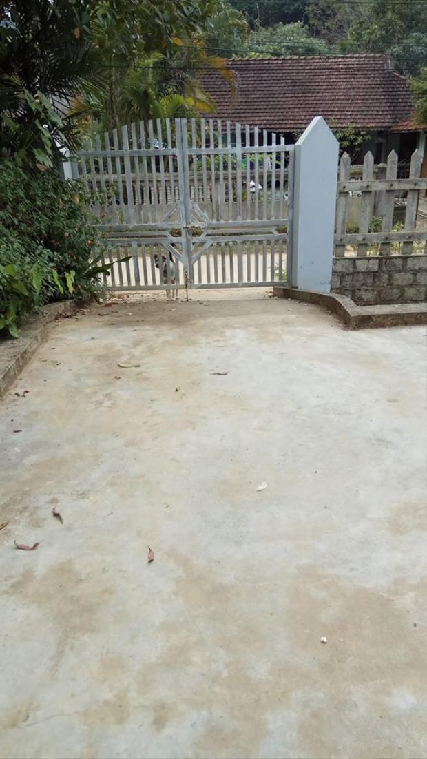 """""""Tao ở sân nhà tao mà chó nhà hàng xóm chạy sang đứng ở cổng sủa , vô lý!""""(Thiên Hàn )"""