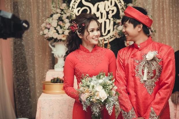 Ảnh cưới của cặp đôi bất ngờ nổi tiếng.