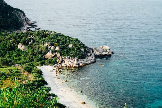 Đảo Bình Hưng  Địa Trung Hải thu nhỏ của Việt Nam, đã tới quên lối về