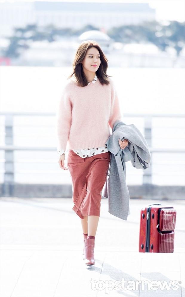 Choi Soo Young sinh năm 1990 là ca sĩ kiêm diễn viên Hàn Quốc, cao 1.7m.