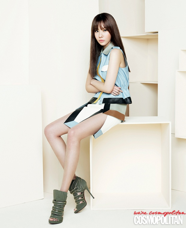 Nữ diễn viên sinh năm 1982 khởi đầu sự nghiệp trên sân khấu thời trang và mơ ước trở thành người mẫu chuyên nghiệp với chiều cao là 1.7m.