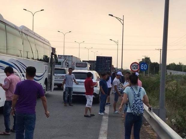 Vụ tai nạn khiếncầu Đồng Môn tắc đường.