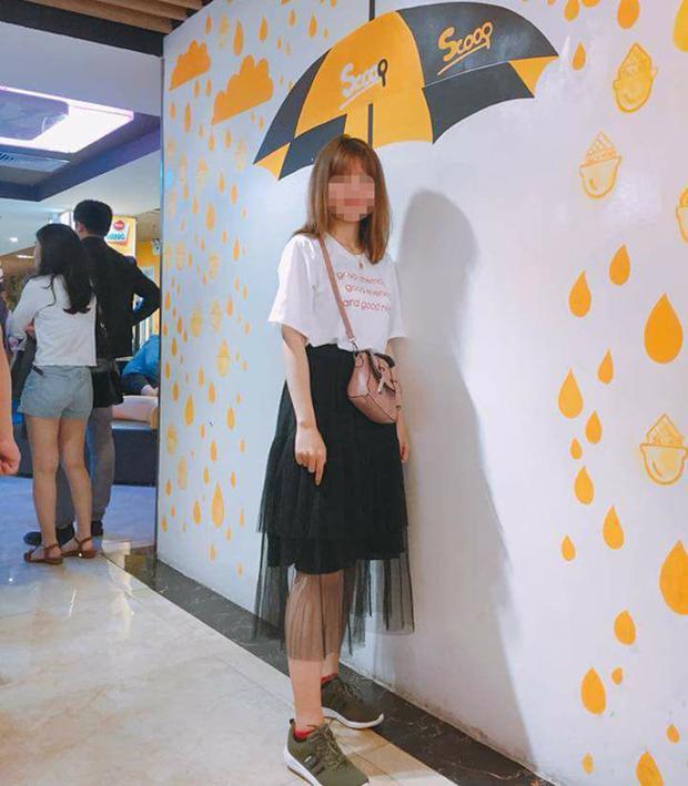 Bức ảnh chụp lại cách mix trang phục của bạn gái của Đ.H..