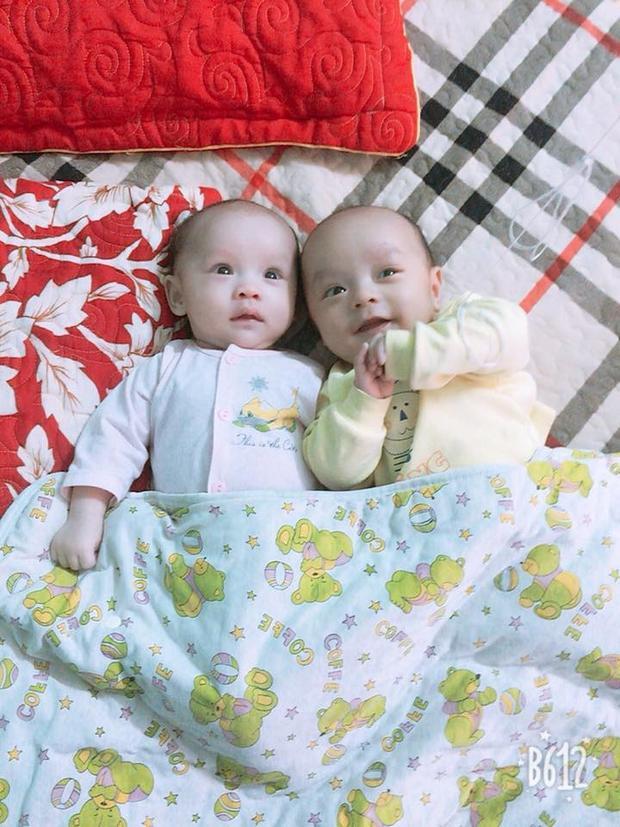 Hai bé sinh đôi 1 trai 1 gái. Ảnh: Hoàn Thành.