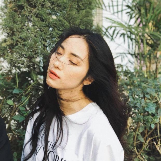 """Khác với hình ảnh """"thừa năng lượng"""" trên sân khấu, Hòa Minzy ngoài đời thích ngủ khi rảnh rỗi, không rượu bia hay chất kích thích."""