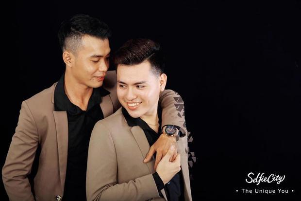 Phúc đã cầu hôn Thuận trong ngày Valentine.