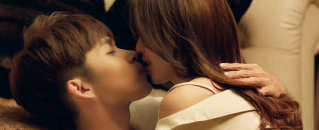 Cùng nụ hôn đầu đậm chất ngôn tình Jun Phạm - Khả Ngân.