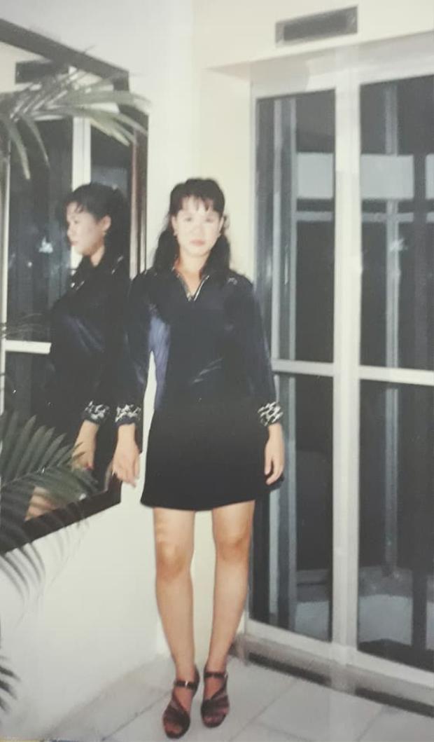 Style mái thưa Hàn Quốc, đầm nhung ôm body.