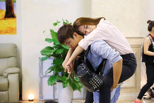 Minh Khôi đưa Diệu Hiền vào khách sạn vì cô uống quá say