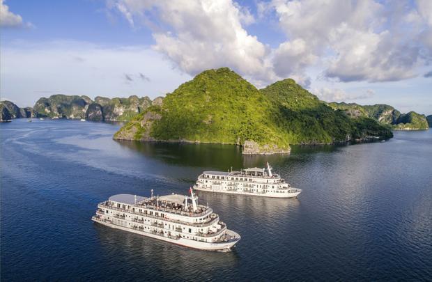 Lê Thanh Hòa lấy cảm hứng mặt trời cho show diễn trên du thuyền triệu đô giữa Vịnh Hạ Long