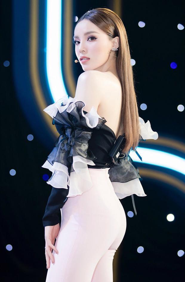 Sau 4 năm đăng quang, người đẹp gốc Nam Định ngày càng mặc đẹp và dần trở thành biểu tượng thời trang của Vbiz.