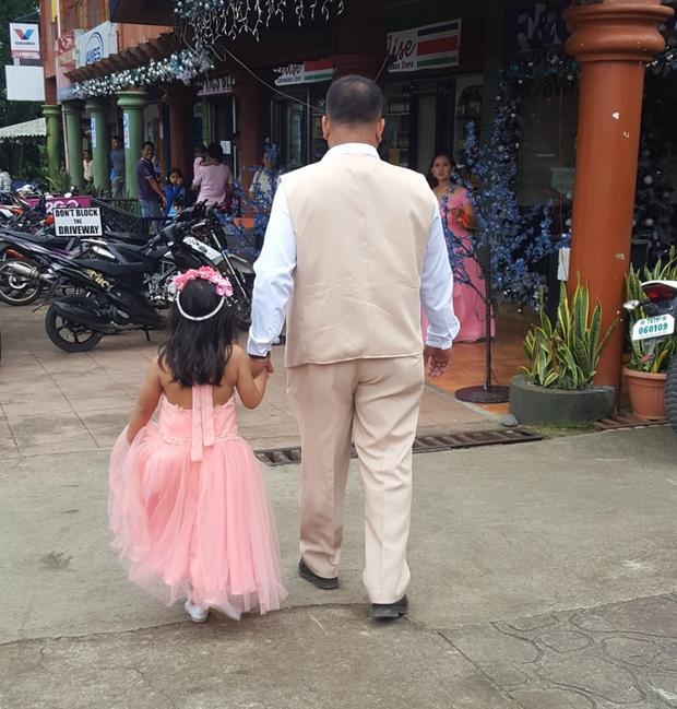 Con sẽ mãi là nàng công chúa nhỏ của ba.