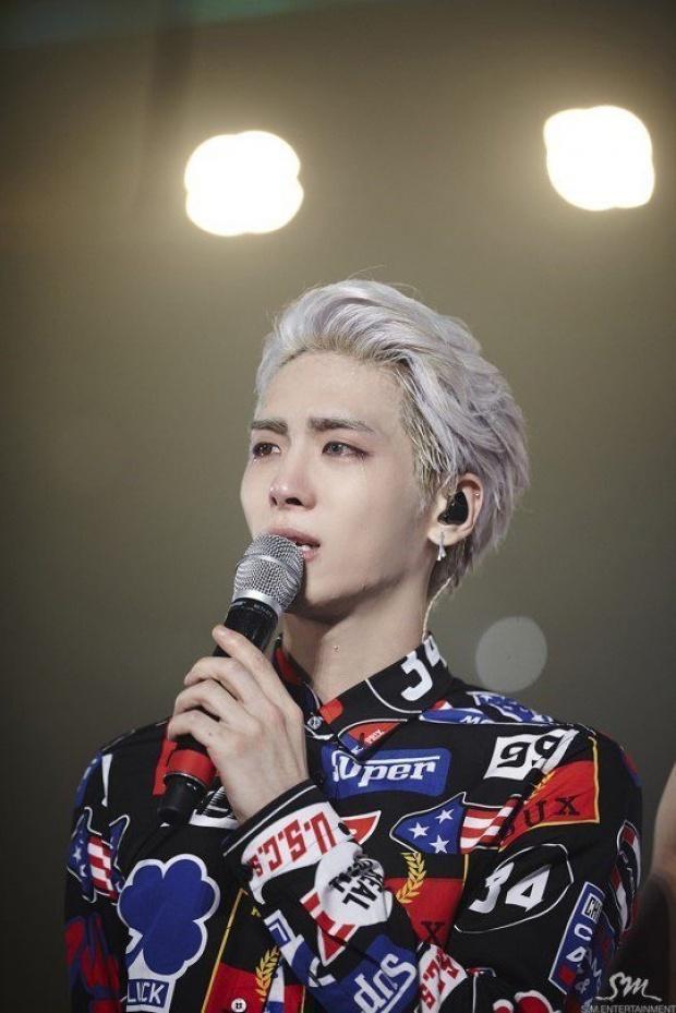 Dù không làm điều gì sai nhưng Jonghyun vẫn xin lỗi người hâm mộ.