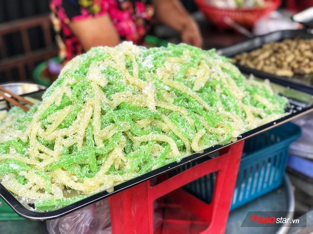 List những món ăn vặt hấp dẫn từ khoai mì nổi tiếng nhất trên đường phố Sài Gòn