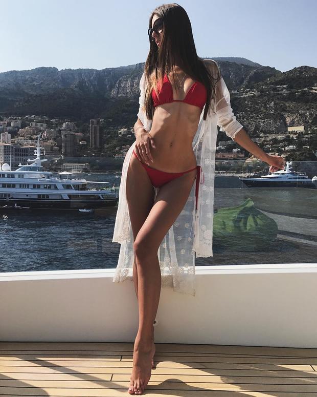 Để đến với Hoa hậu Nga,Olesya không cần phải mất thời gian để cải thiện hình thể vì vốn dĩ cô đã sở hữu một thân hình cân đối không một chút mỡ thừa.