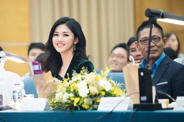Sau 2 năm đoạt danh hiệu Á hậu, Thanh Tú tự tin về trường chấm thi Hoa khôi.