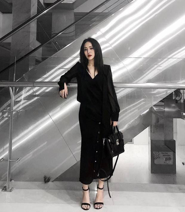 Với gout ăn mặc sành điệu, cô nàng hiện đang là người mẫu cho một số thương hiệu thời trang.