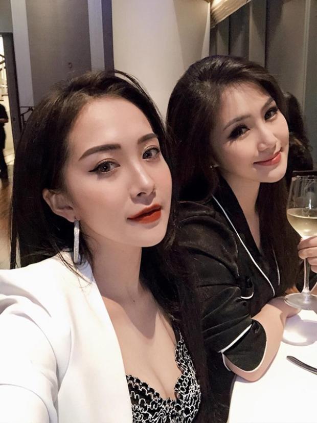 Tuy chỉ là chị em họ nhưng Dư Hàng My và Hương Tràm có nhiều nét rất giống nhau.