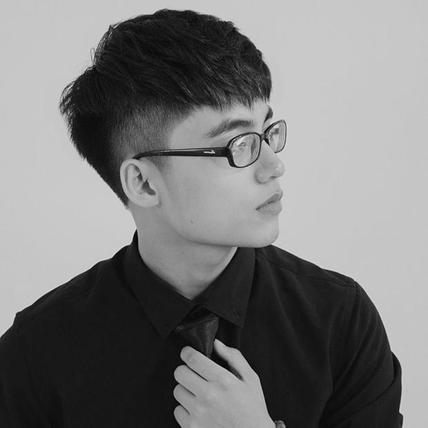 Góc nghiêng hoàn hảo của em trai Sơn Tùng.