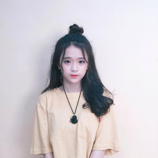 Linh Ka là cô bé sở hữu ngoại hình xinh xắn nhưng lại mất điểm trong mắt mọi người bởi những phát ngôn thiếu suy nghĩ.