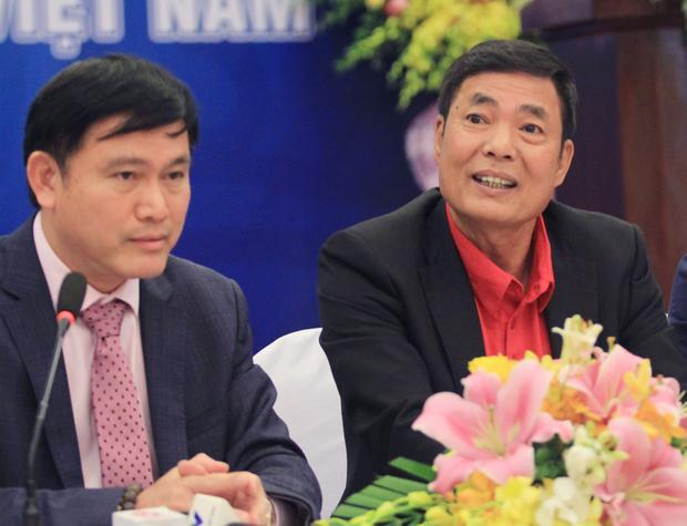 Bầu Tú và ông Trần Mạnh Hùng (phó Chủ tịch Hội đồng quản trị VPF).