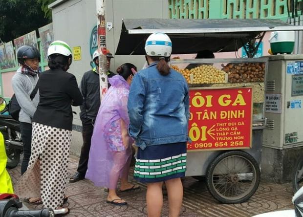 Xe xôi nhỏ nằm cạnh chợ Tân Định là một địa chỉ vô cùng quen thuộc.