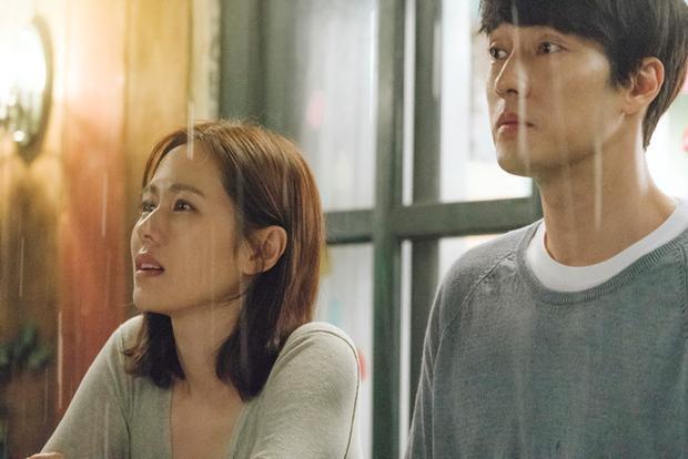 Vợ củaWoo Jin sẽ trở về cùng cơn mưa.