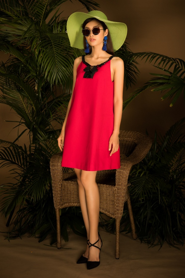 Ngoài ra, không thể thiếu các kiểu váy suông, váy maxi cộp mác ngày hè.