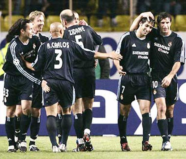 AS Monaco vs Real Madrid (Tứ kết Champions League 2003/04). Trong trận lượt đi, AS Monaco đã thất bại 2-4 trước Real Madrid. Thế nhưng, ở trận lượt về trên sân nhà, đội bóng đang chơi ở Ligue 1 đã tạo địa chấn bằng chiến thắng với tỷ số 3-1 để giành quyền đi tiếp nhờ luật bàn thắng sân khách. Ludovic Giuly (45+1′, 66′) và Fernando Morientes (48′) là những người lập công cho Monaco, còn bàn danh dự của Real do công Raul Gonzalez (36').