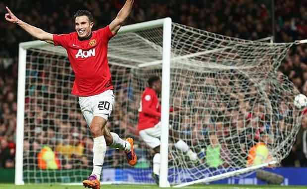 """Man United vs Olympiakos (Vòng 1/8 Champions League 2013/14). Đụng độ Olympiakos tại vòng 1/8 Champions League 2013/14, ít ai có thể ngờ rằng Man United lại có thể thất bại với tỷ số 0-2 ngay ở trận lượt đi. Thế nhưng, nhờ vào đẳng cấp vượt trội, """"nửa đỏ thành Manchester"""" đã dễ dàng có chiến thắng 3-0 tại trận lượt về để giành quyền vào chơi ở vòng tứ kết. Trong trận đấu này, Robin van Persie chính là người hùng của """"Quỷ đỏ"""" khi lập hat-trick ở các phút 25 (pen), 45+1 và 51."""