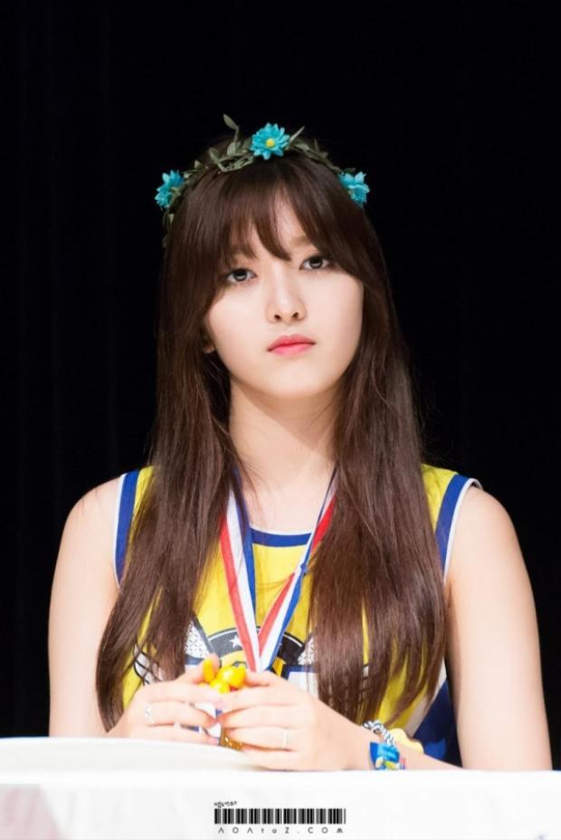 Cái tên Kim Chanmi khiến nhiều người ngỡ ngàng nghĩ ngay đến cô nàng Chanmi - thành viên AOA. Tuy nhiên, công ty quản lí của AOA là FNC đã nhanh chóng xác nhận mọi người đã nhầm, khẳng định sẽ không có ai trong AOA tham gia Produce 48.