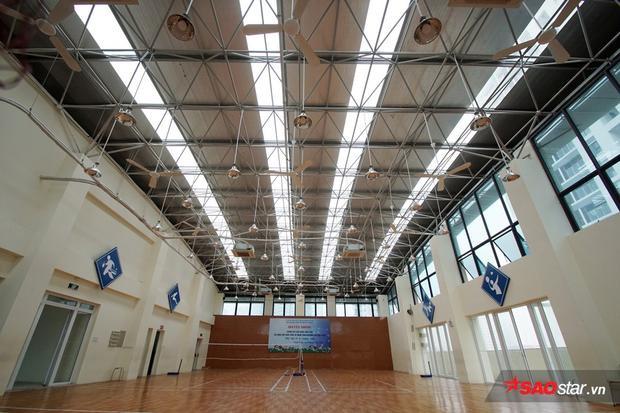 Phòng học đa năng để học sinh luyện tập các môn thể thao trong nhà.