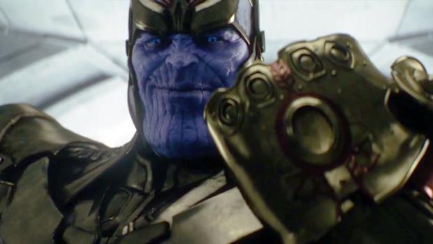 Thanos với vẻ mặt tràn đầy tư tin cùng chiếc găng tay Vô cực.